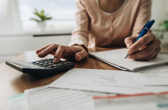 3 Great Lessons to Learn from Financial Planner to Maintain Your Budget